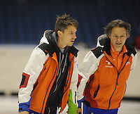 SCHAATSEN: HEERENVEEN: 02-10-2014, IJsstadion Thialf, Topsporttraining, Kip Carpenter (ass. trainer shorttrack NED), Jeroen Otter (trainer/bondscoach shorttrack),  ©foto Martin de Jong