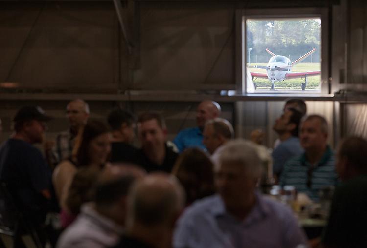 Aviation alumni dinner. Photo by Lauren Pond