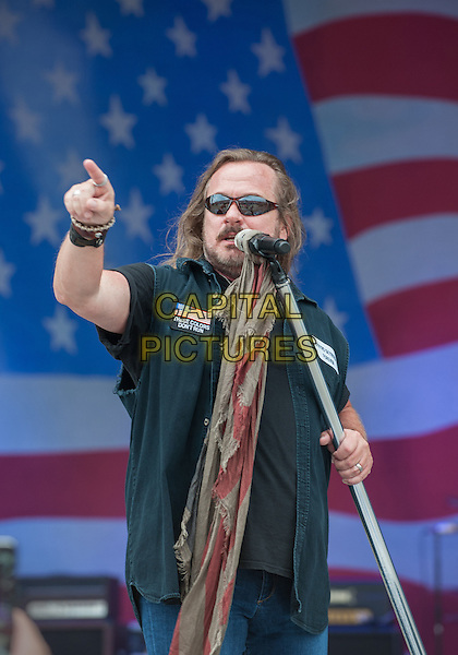 Johnny Van Zant 2015