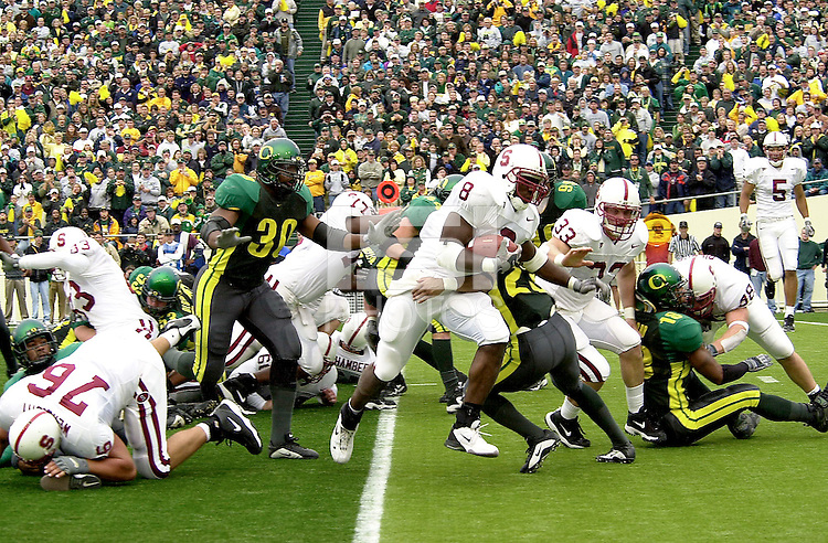 Kerry Carter goes in for his second touchdown on a 4th and 1 in the second quarter during Stanford's 49-42 win over #5 ranked Oregon on October 20, 2001 in Eugene, OR.<br />Photo credit mandatory: Gonzalesphoto.com