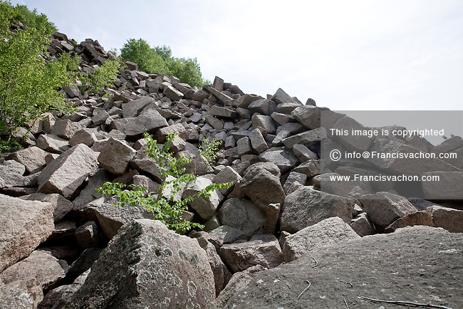 granite quarry hindu dating site Stones of india this article has dating back to 3200 bc has been influenced granite reserves in india was 37,426 million cubic metres and ranked.