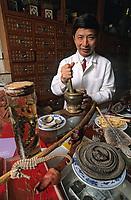 """Asie/Singapour/Singapour: Restaurant chinois médicinal """"Imperial Herbal"""": le médecin"""