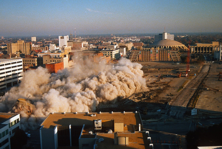 1996 November 24..Redevelopment..Macarthur Center.Downtown North (R-8)..SEQUENCE 13.IMPLOSION OF SMA TOWERS.LOOKING NORTH FROM ROOFTOP .OF MAIN TOWER EAST.PV3..NEG#.NRHA#..