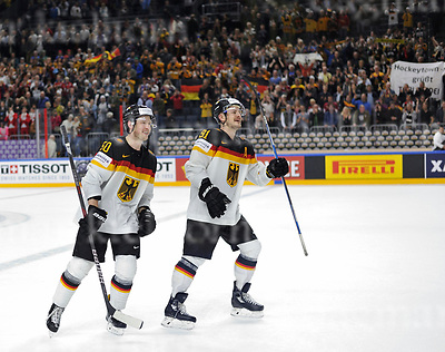 Friday, 5 May, 2017,Lanxess Arena , Cologne/GER<br /> IIHF World Hockey Championship 2017<br /> USA  vs  GER<br /> Lucky winner from Germany 2:1 vs team USA,l-r:Patrick Hager and Moritz M&uuml;ller <br /> Friday, 5 May, 2017,Lanxess Arena , Cologne/GER<br /> IIHF World Hockey Championship 2017<br /> USA  vs  GER