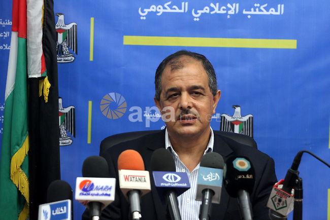 Palestinian Deputy Minister of Education, Ahmed Abu Shqair, speaks in a news conference about high school's final examsin Gaza City. May 19, 2013. Photo by Mohammed Asad