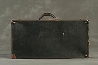 Willard Suitcases / Leland P / ©2014 Jon Crispin