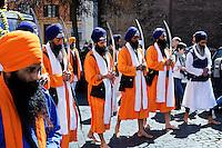 I sikh celebrano il Vaisakhi