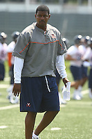 during open spring practice for the Virginia Cavaliers football team August 7, 2009 at the University of Virginia in Charlottesville, VA. Photo/Andrew Shurtleff