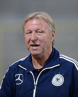 FUSSBALL INTERNATIONAL Laenderspiel Freundschaftsspiel U 21   Deutschland - Frankreich     13.08.2013 DFB Trainer Horst Hrubesch (Deutschland)