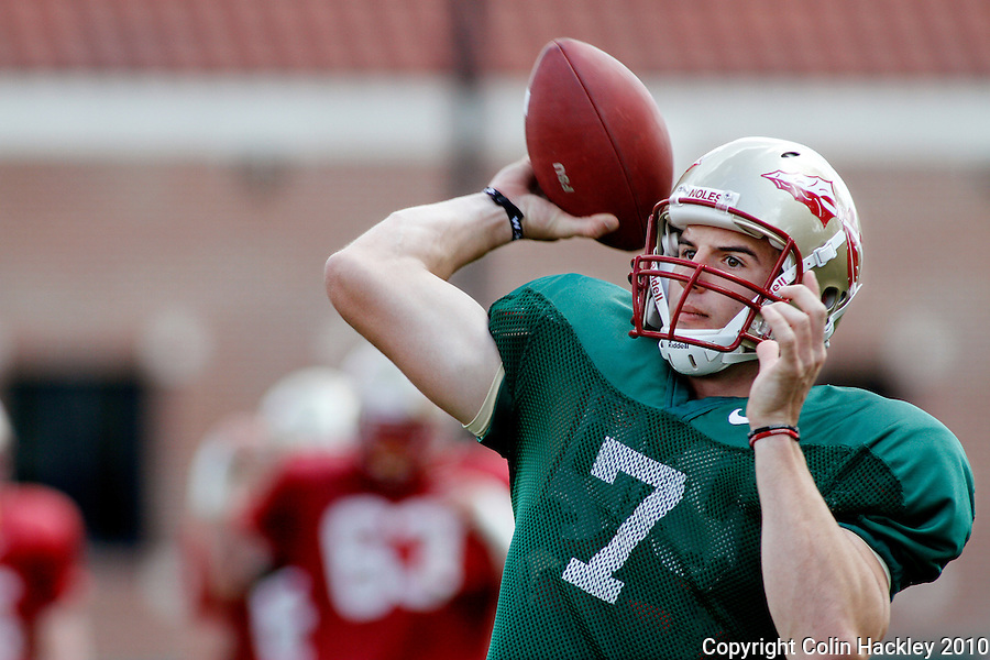 TALLAHASSEE, FLA.3/22/10-FSUFB32210 CH02-Florida State quarterback Christian Ponder throws during practice Monday in Tallahassee...COLIN HACKLEY PHOTO
