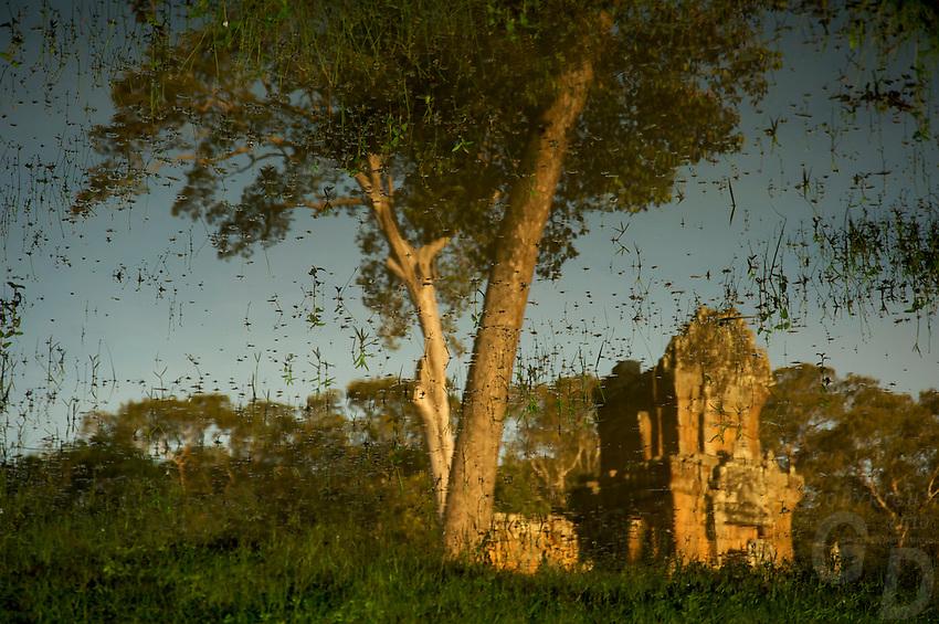 Sure Prot Angkor Thom Ruins near the Elephant terraces