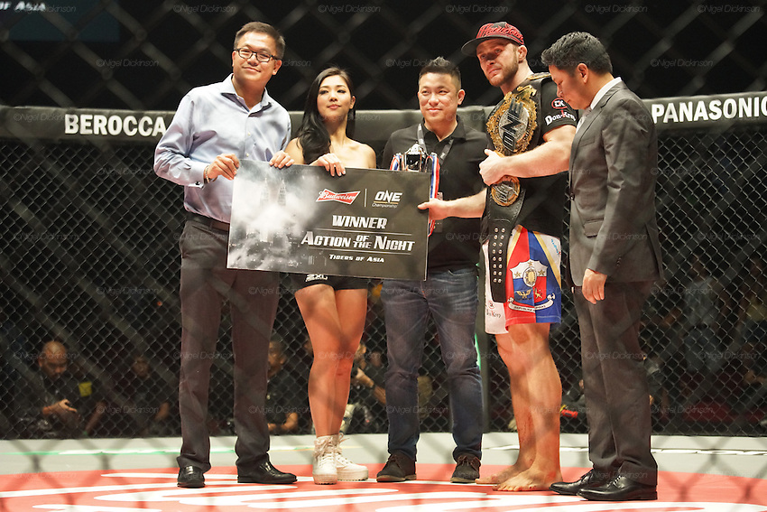 Irina Mazepa, 5X Wushu World Champion, knocked out Ann Osman, Malaysia WMMA star. CEO of ONE Victor Cui on right hand side<br />