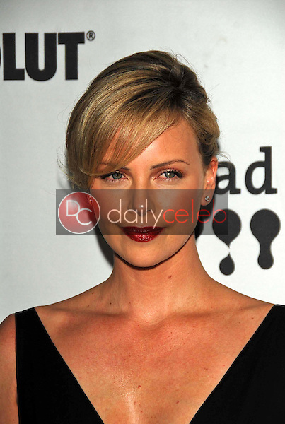Charlize Theron<br />at the 17th Annual GLAAD Media Awards. Kodak Theatre, Hollywood, CA. 04-08-06<br />Dave Edwards/DailyCeleb.com 818-249-4998