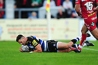Jeff Williams of Bath Rugby scores a try in the first half. Pre-season friendly match, between the Scarlets and Bath Rugby on August 20, 2016 at Eirias Park in Colwyn Bay, Wales. Photo by: Patrick Khachfe / Onside Images