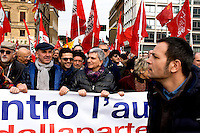 Roma, 14 Febbraio  2015<br /> Manifestazione di solidariet&agrave; con la Grecia di Alexis Tsipras e contro le politiche di austerity imposte dalla troika. Nichi Vendola, presidente della Regione Puglia (C)<br /> Rome, February 14, 2015<br /> Demonstration of solidarity with Greece  of Alexis Tsipras and against austerity policies imposed by the Troika. Nichi Vendola, president of Puglia Region (C)