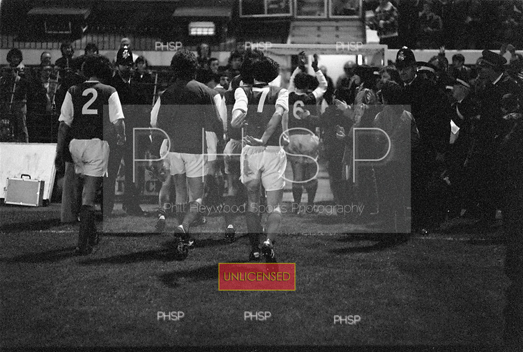22/11/80 Blackpool v Fleetwood Town FAC 1.Fleetwood players leave the pitch..©  Phill Heywood