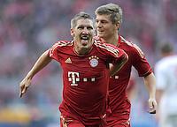 FUSSBALL   1. BUNDESLIGA  SAISON 2011/2012   11. Spieltag FC Bayern Muenchen - FC Nuernberg        29.10.2011 Jubel nach dem Tor zum 2:0, Bastian Schweinsteiger (FC Bayern Muenchen)