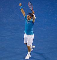 Roger Federer (SUI) (1) against Andy Murray (GBR) (5) in the Final of the Mens Singles. Federer beat Murray 6-3 6-4 7-6..International Tennis - Australian Open Tennis - Sunday 31 Jan 2010 - Melbourne Park - Melbourne - Australia ..© Frey - AMN Images, 1st Floor, Barry House, 20-22 Worple Road, London, SW19 4DH.Tel - +44 20 8947 0100.mfrey@advantagemedianet.com