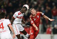 FUSSBALL   1. BUNDESLIGA  SAISON 2012/2013   19. Spieltag   VfB Stuttgart  - FC Bayern Muenchen      27.01.2013 Bastian Schweinsteiger (re, FC Bayern Muenchen) gegen Antonio Ruediger (VfB Stuttgart)