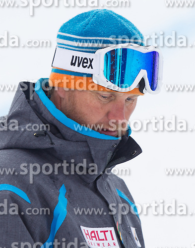 18.01.2014, Olympia delle Tofane, Cortina d Ampezzo, ITA, FIS Weltcup Ski Alpin, Abfahrt, Damen, im Bild Abfahrt der Damen wegen weicher Piste abgesagt, Atle Skardal (FIS Renndirektor) // Atle Skardal (FIS race director), the ladies downhill was canceled due to weather conditions during the Cortina d Ampezzo FIS Ski Alpine World Cup at the Olympia delle Tofane course in Cortina d Ampezzo, Italy on 2014/01/18.