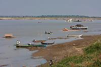 Myanmar, Burma. Bagan.  Ayeyarwady (Irrawaddy) River Scene.
