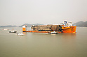 Semi-submersible ship carrying Sewol Ferry en route to Mokpo New Port