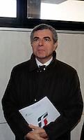 """Roma 18 Dicembre 2009.Inaugurato centro polivalente per senza fissa dimora """"Binario 95"""" in via Marsala 95.L'amministratore delegato di Ferrovie dello Stato, Mauro Moretti."""