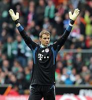 FUSSBALL   1. BUNDESLIGA   SAISON 2011/2012   32. SPIELTAG SV Werder Bremen - FC Bayern Muenchen               21.04.2012 Torwart Manuel Neuer (FC Bayern Muenchen) jubelt nach dem 1:2