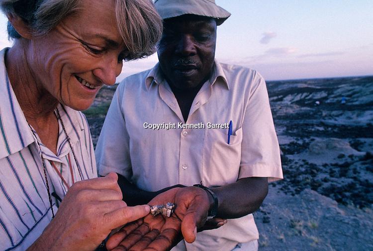 DOH, The Farthest Horizon, Meave Leakey, Kanapoi site, Northern Kenya, Kamoya Kimeu, leader of the Hominid Gang.