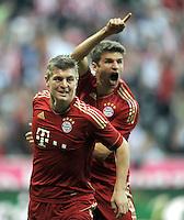 FUSSBALL   1. BUNDESLIGA  SAISON 2011/2012   7. Spieltag FC Bayern Muenchen - Bayer 04 Leverkusen          24.09.2011 Jubel nach dem Tor zum 1:0 Thomas Mueller mit Toni Kroos (v. li., FC Bayern Muenchen)