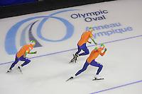 SCHAATSEN: CALGARY: Olympic Oval, 09-11-2013, Essent ISU World Cup, Koen Verweij, Jan Blokhuijsen, Sven Kramer, ©foto Martin de Jong
