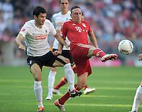 FUSSBALL   1. BUNDESLIGA  SAISON 2011/2012   5. Spieltag FC Bayern Muenchen - SC Freiburg         10.09.2011 Mensur Mujdza (li, SC Freiburg) gegen Franck Ribery (re, FC Bayern Muenchen)