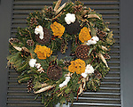 "Christmas wreath Colonial Williamsburg Virginia, wreath, Colonial Williamsburg Virginia is historic district 1699 to 1780 which made colonial Virgnia's Capital, for most of the 18th century Williamsburg was the center of government education and culture in Colony of Virginia, George Washington, Thomas Jefferson, Patrick Henry, James Monroe, James Madison, George Wythe, Peyton Randolph, and others molded democracy in the Commonwealth of Virginia and the United States, Motto of Colonial Williamsburg is ""The furture may learn from the past,"""