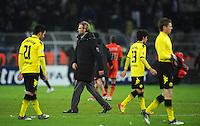 FUSSBALL   CHAMPIONS LEAGUE   SAISON 2011/2012  Borussia Dortmund - Olympique Marseille   06.12.2011 Ilkay Guendogan, Trainer Juergen Klopp, Shinji Kagawa und Lukasz Piszczek (v.l., alle Borussia Dortmund) sind nach dem Abpfiff enttaeuscht