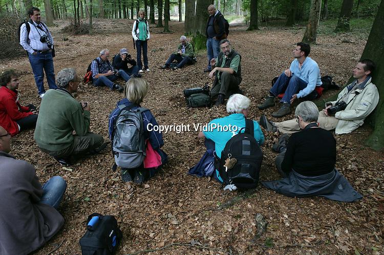 Foto: VidiPhoto..OTTERLO - Fotocursus Rob Doolaard op de Hoge Veluwe..