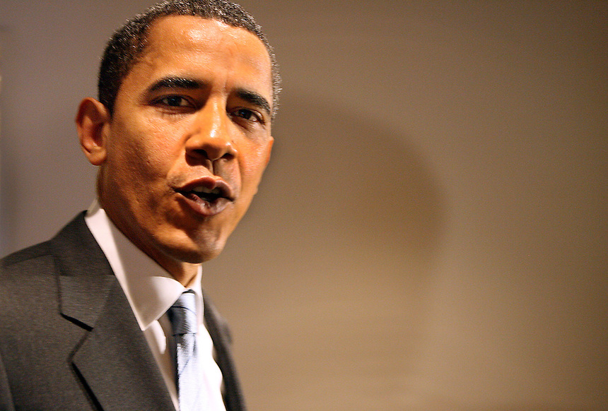 Sen. Barack Obama campaigns. Photo by Charles Osgood