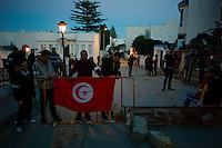 Tunis, January 15, 2011.Inhabitants from La Marsa neighborhood set up barricades across their streets and mounted guard all night to prevent militias or looters to enter the area. These 'vigilante' groups could be seen all over Tunis.