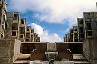 Louis I. Kahn: Salk Institute, La Jolla. Court, Fountain. Photo 2004.