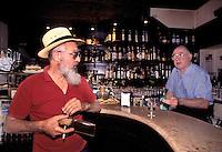 Mantova, il Bar degli Artisti, interni.<br /> Mantua, the Bar of the Artists, interior.