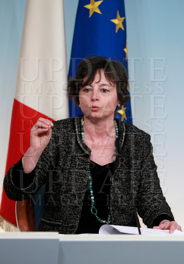Il Ministro dell'Istruzione e della Ricerca Scientifica Maria Chiara Carrozza al termine del Consiglio dei Ministri, a Palazzo Chigi, Roma, 31 gennaio 2014.<br /> Italian Education and Research Minister Maria Chiara Carrozza attends a press conference at the cabinet meeting at Chigi palace, Rome, 31 January 2014.<br /> UPDATE IMAGES PRESS/Isabella Bonotto