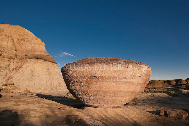 Saucer shaped rock formations on the shores of the Marias River in Montana above the confluence with the Missouri River