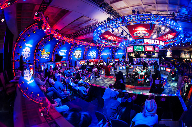 2015 WSOP Lifestyle & Features & Bracelets