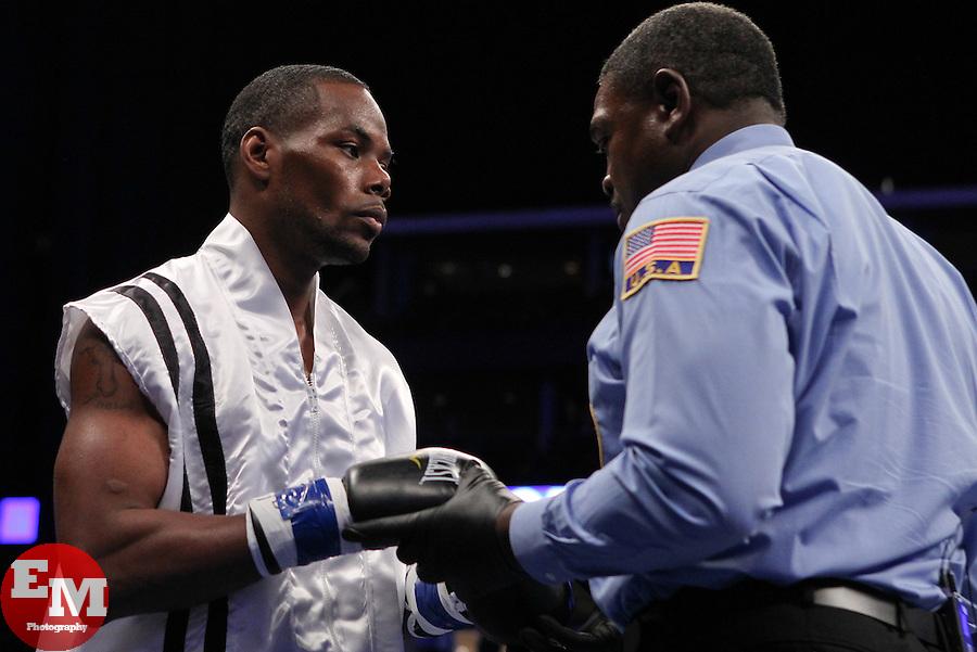 Tureono Johnson vs. Willi Fortune on Shobox