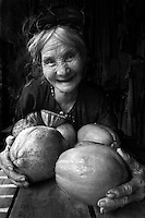 Vietnam images-People-portrait-Vinh.