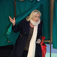 Marine Le Pen voting for the first round of the regional elections - France