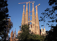 Passion façade, completed late 1980?s by the sculptor Josep Maria Subirachs; apse exterior, neo gothic style, one of the first elements to be built by the initial architect Francisco de Villar and respected by Gaudí. La Sagrada Familia, Barcelona, Catalonia, Spain, Roman Catholic basilica, built by Antoni Gaudí (Reus 1852 ? Barcelona 1926) from 1883 to his death. Still incomplete. Picture by Manuel Cohen