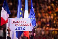 Parigi Bercy Manifestazione preelettorale di Hollande - Elezioni presidenziali 2012 Paris Bercy event of Hollande pre-election - Presidential elections 2012  cartello e bandiere