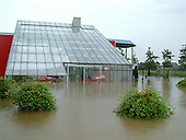 Ondergelopen woning in Sexbierum na extreme regenval in NW-Friesland.