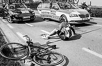 Tony Gallopin (FRA/Lotto-Soudal) crashed<br /> <br /> 60th E3 Harelbeke (1.UWT)<br /> 1day race: Harelbeke &rsaquo; Harelbeke - BEL (206km)