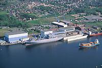 Deutschland, Scleßwig- Holstein, Rendsburg, Kröger Werft, Werft, Schiffbau, Schiff der Bundesmarine in der Werft, Nord- Ostseekanal...c Aufwind.Holger Weitzel.Gertrud- Bäumer Stieg 102.21035 Hamburg